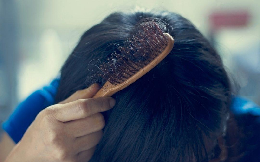Perte de cheveux saisonnière: pas de panique!